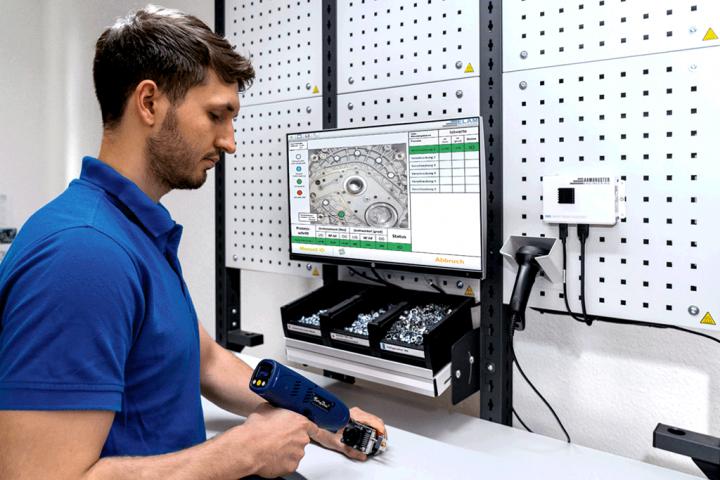Werkerassistenzsystem ELAM unterstützt Mitarbeiter bei Montage