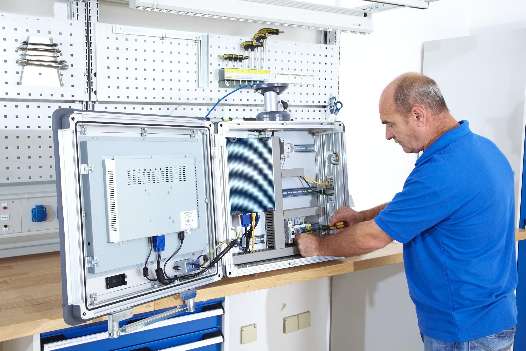 Schaltschrankbau mit dem ELAM-System